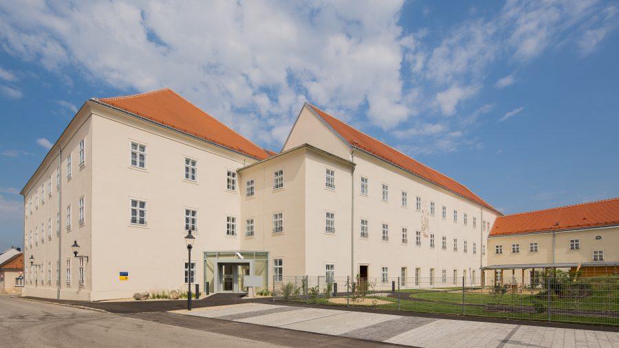 Immobilie von Wien-Süd in 2460 Bruck an der Leitha, Johngasse 1/Hainburger Str. 8 #0