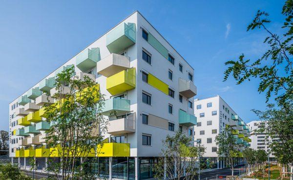 Ottilie-Bondy-Promenade 4/Koloniestraße 77